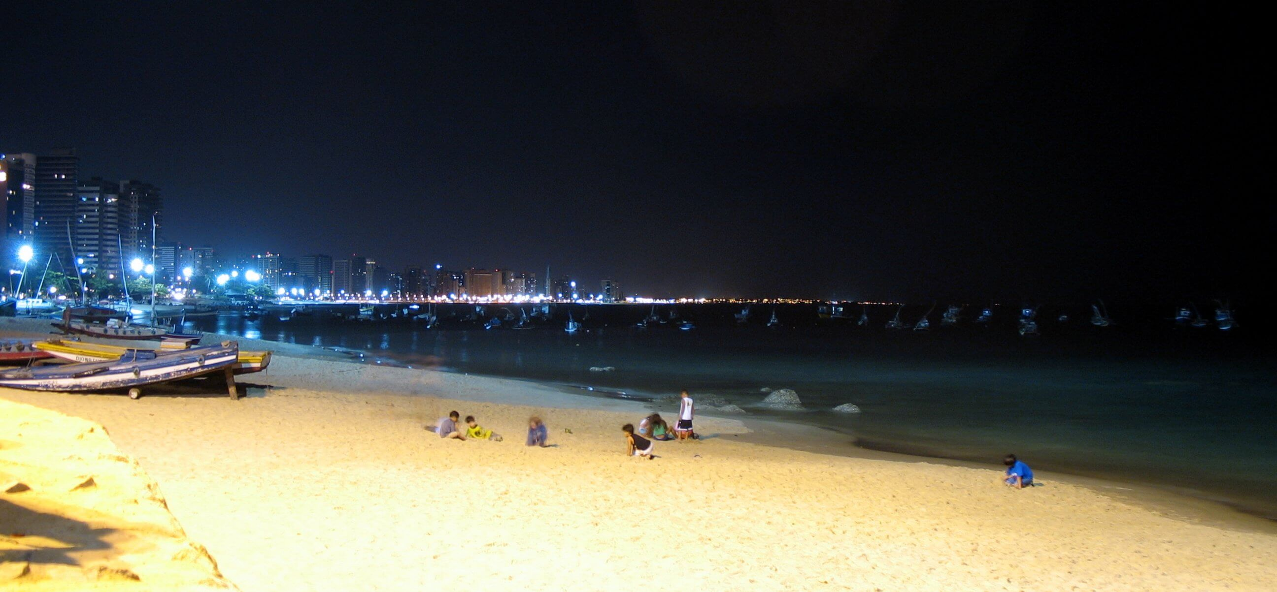 Praia de Fortaleza a noite